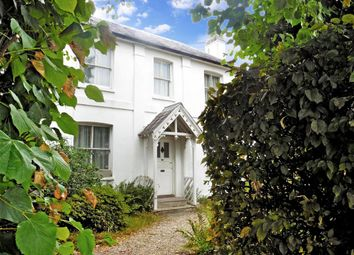 Brighton Road, Horsham, West Sussex RH13. 3 bed detached house