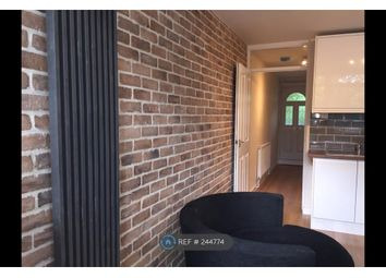 Thumbnail 4 bedroom flat to rent in Ponton House, London