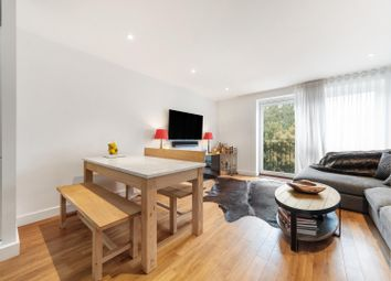 Milles Square, London SW9. 2 bed flat