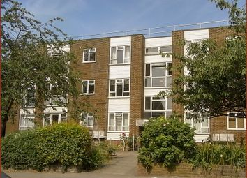 Thumbnail 1 bed flat to rent in Bells Hill, Barnet