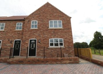 3 bed town house for sale in Fieldside, Crowle, Scunthorpe DN17