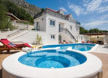 Thumbnail 4 bedroom villa for sale in Amazing New Stylish Villa With Swimming Pools In Dugi Rat Area!, Dugi Rat, Croatia