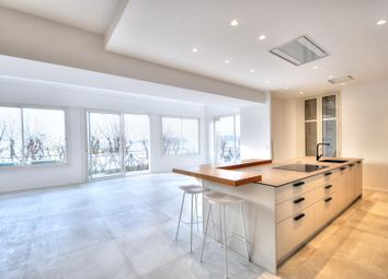 Thumbnail Apartment for sale in Saint-Raphaël, Bord De Mer, 83700, France