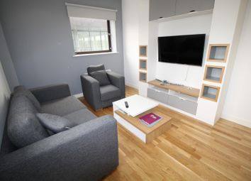 Thumbnail 2 bedroom flat to rent in Queen Street, Leeds