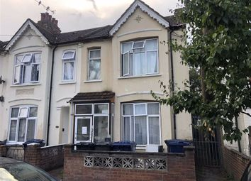 West End Road, Southall, Middlesex UB1. 2 bed flat