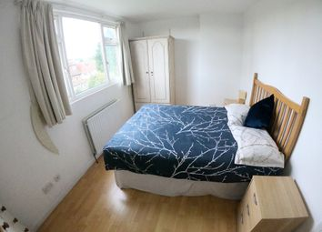 Thumbnail 5 bed shared accommodation to rent in Greenfield Gardens, London