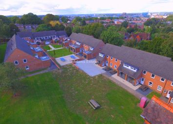 Thumbnail 6 bed property to rent in Allcroft Road, Reading