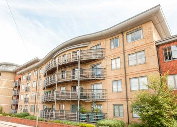 Thumbnail 2 bed flat to rent in Jubilee Sq, Reading