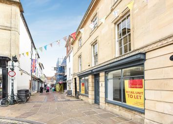 Market Place, Wallingford OX10. Retail premises to let