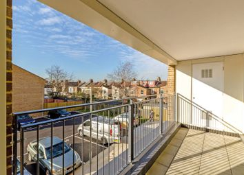 Thumbnail 2 bedroom flat to rent in Fulbourne Road, Walthamstow