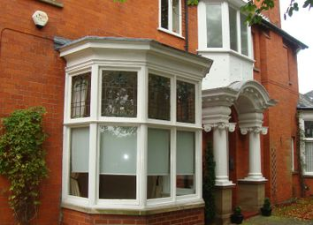 Thumbnail 2 bed flat to rent in Bargate, Grimsby
