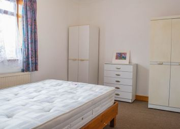 Thumbnail 1 bed flat to rent in Mill Road, Cambridge