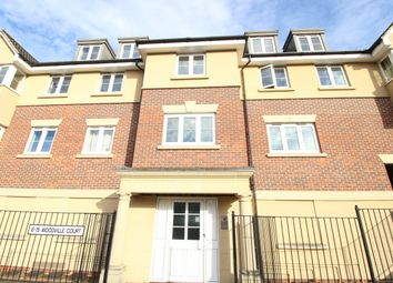 Thumbnail 2 bed flat to rent in St Saviours Road, Reading