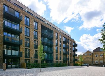 Thumbnail 2 bed flat to rent in Cobalt Place, Battersea