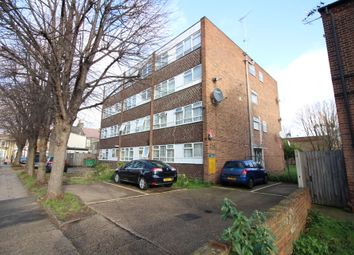 Thumbnail 2 bed flat to rent in Carnarvon Road, Stratford