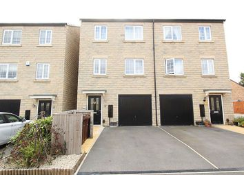 Thumbnail 4 bed town house for sale in Pugneys Avenue, Crigglestone, Wakefield, West Yorkshire