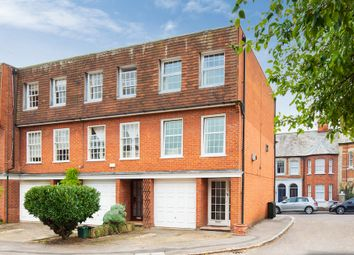 Queen Close, Henley-On-Thames RG9. 3 bed end terrace house