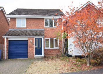 Thumbnail 3 bed property to rent in Fairford Way, Bicester