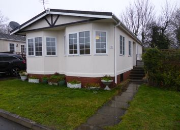 2 bed mobile/park home for sale in Collins Wood Park, Folly Lane, Caddington, Bedfordshire LU1