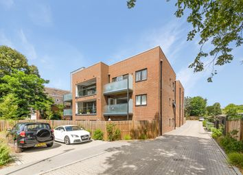 Villiers Court, Cheam Road, Ewell KT17. 1 bed flat