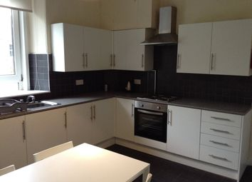 Thumbnail 4 bed flat to rent in Seafield Road, T/L, Dundee