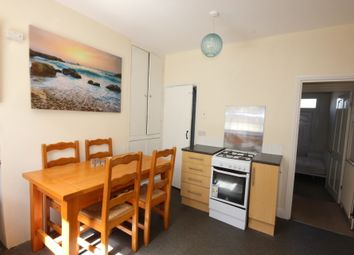 3 bed terraced house to rent in Manor Oaks Road, Sheffield S2