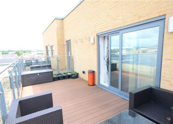 Thumbnail 2 bedroom flat for sale in Cygnet House, Drake Way, Reading