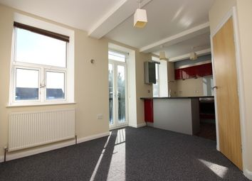 Thumbnail 2 bedroom flat to rent in Station Road, Skelmanthorpe, Huddersfield