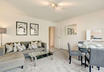 Thumbnail 2 bed triplex to rent in Fulham Road, Chelsea, London