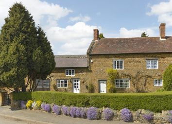 Thumbnail 4 bed cottage for sale in Farnborough Road, Radway, Warwick