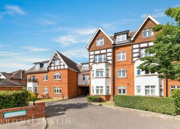 Charlemont House, Cheam Road, Ewell KT17. 2 bed flat