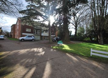 Thumbnail 3 bed maisonette to rent in Bath Road, Reading