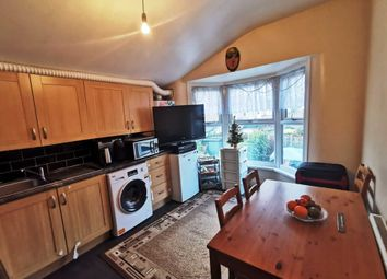 2 bed maisonette to rent in Forest Road, London E7