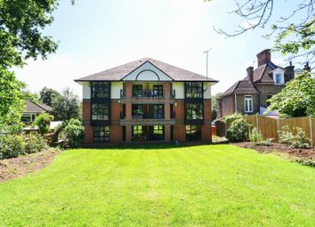 Thumbnail 2 bed flat to rent in Shortlands Road, Bromley