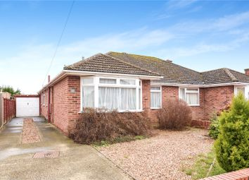 Thumbnail 2 bed bungalow to rent in Benmead Road, Kidlington
