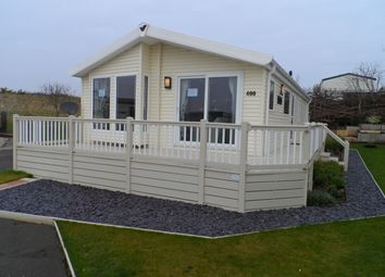 Thumbnail 2 bed mobile/park home for sale in Hall Lane, Walton-On-The-Naze