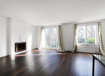 Thumbnail 1 bed apartment for sale in Neuilly-Sur-Seine, France