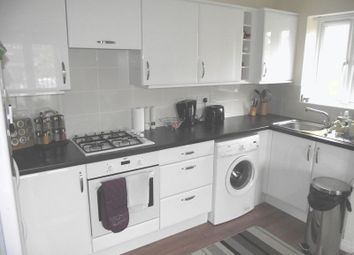 Thumbnail 2 bed flat to rent in Summerton Road, Oldbury