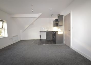 2 bed flat to rent in Toller Lane, Bradford, West Yorkshire BD9