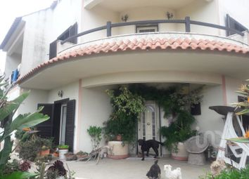 Thumbnail 6 bed detached house for sale in Charneca De Caparica E Sobreda, Charneca De Caparica E Sobreda, Almada