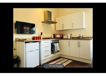 Thumbnail 2 bed flat to rent in South Avenue, Southend On Sea
