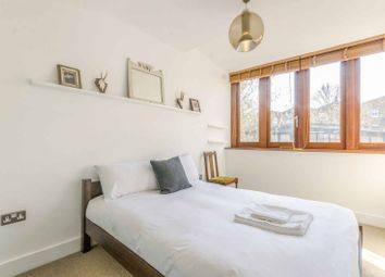 2 bed property to rent in Church Walk, Stoke Newington, London N16