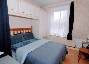 Thumbnail 3 bed flat to rent in Lilford House, Lilford Road, Camberwell, Londo