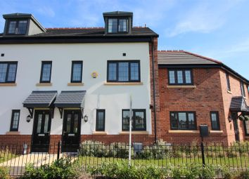 Thumbnail 3 bed town house for sale in Coppice View, Hull