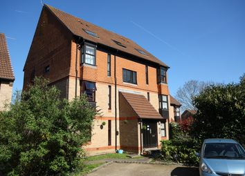 Thumbnail 1 bedroom flat to rent in Trenance, Horsell, Woking