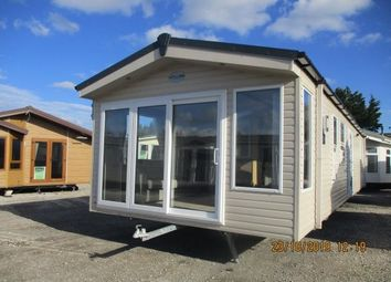 Thumbnail 2 bed mobile/park home for sale in Marine Road, Pensarn, Abergele