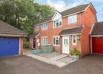 Collett Close, Hedge End, Southampton SO30. 3 bed semi-detached house