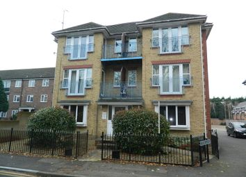 2 bed flat to rent in Hazelwood Court, 31 Lower Cookham Road, Maidenhead, Berkshire SL6