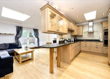 Old Oak Road, London W3. 3 bed flat for sale