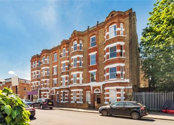 Thumbnail 1 bed flat for sale in Munster Road, Fulham